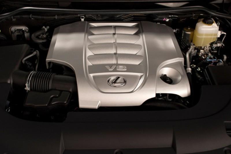 Xe mang trên mình khối động cơ V8 5.7L mạnh mẽ