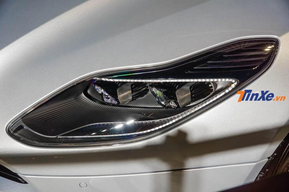 Siêu xe Aston Martin DB11 V8 của doanh nhân Vũng Tàu là phiên bản kế nhiệm của dòng xe Aston Martin DB 009