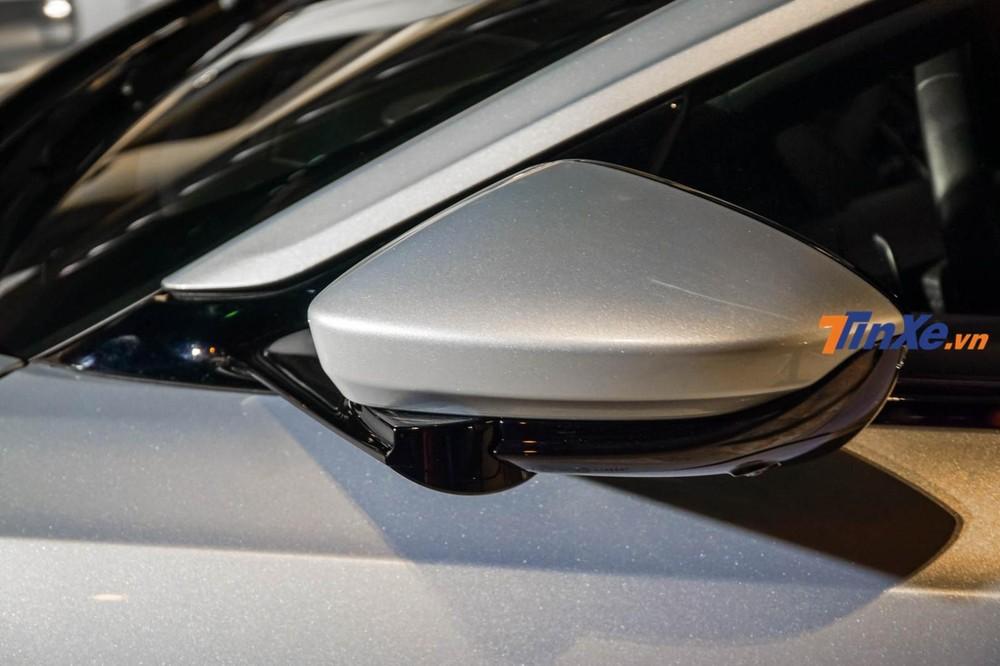 Đại diện Aston Martin Việt Nam tin rằng với số lượng nhà giàu Việt đang có mức tăng ấn tượng, việc khai trương đại lý Aston Martin trong thời điểm này là vô cùng hợp lý