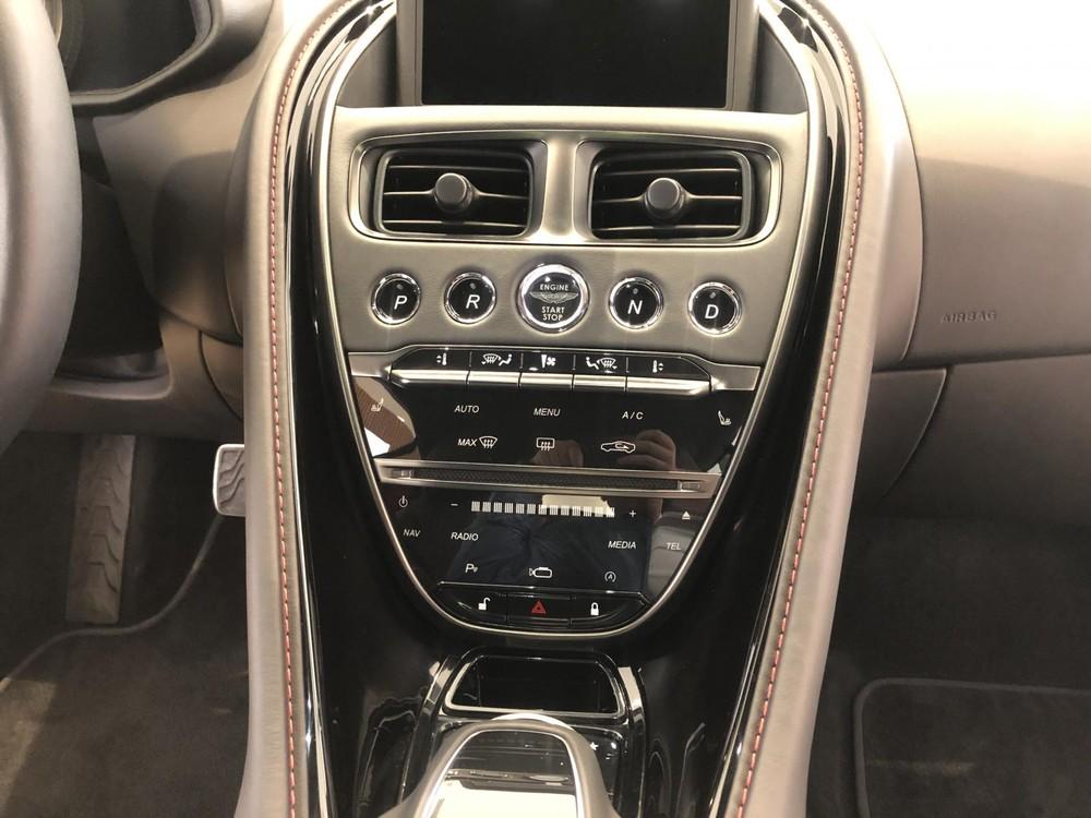 Aston Martin DB11 V8 tăng tốc 0-100 km/h trong thời gian 4 giây