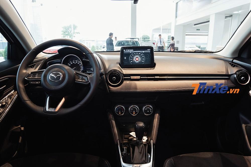 Tổng thể nội thất của Mazda2 2019