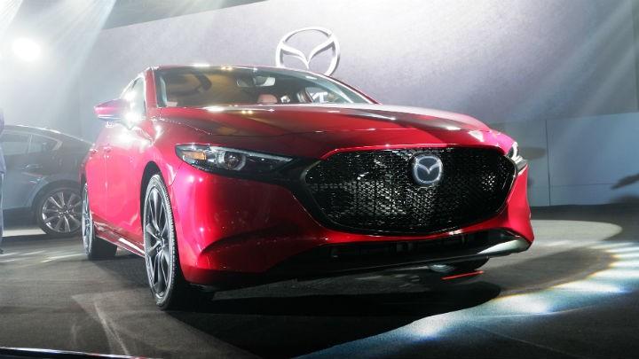 Mazda3 2019 màu đỏ