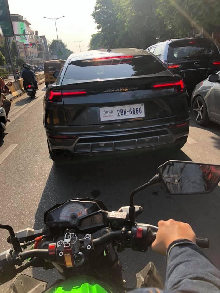 Có đến 3 chiếc Lamborghini Urus mang biển tứ quý 6 ở Campuchia