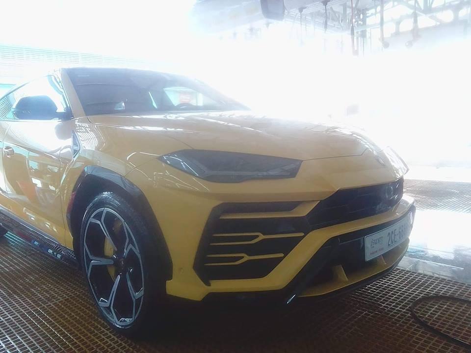 Lamborghini Urus đeo biển tứ quý 6