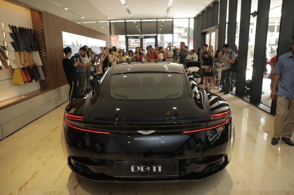 Hiện đã có ít nhất 3 chiếc siêu xe Aston Martin DB11 V8 tìm thấy chủ nhân tại Việt Nam