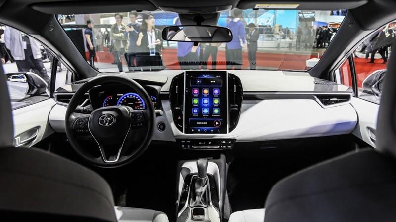 Nội thất ấn tượng hơn hẳn của Toyota Levin 2019 bản Technology