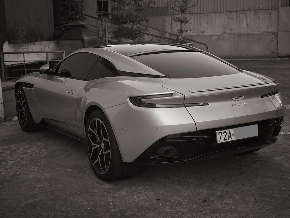 Siêu xe Aston Martin DB11 V8 có giá bán 15,686 tỷ đồng tại Việt Nam