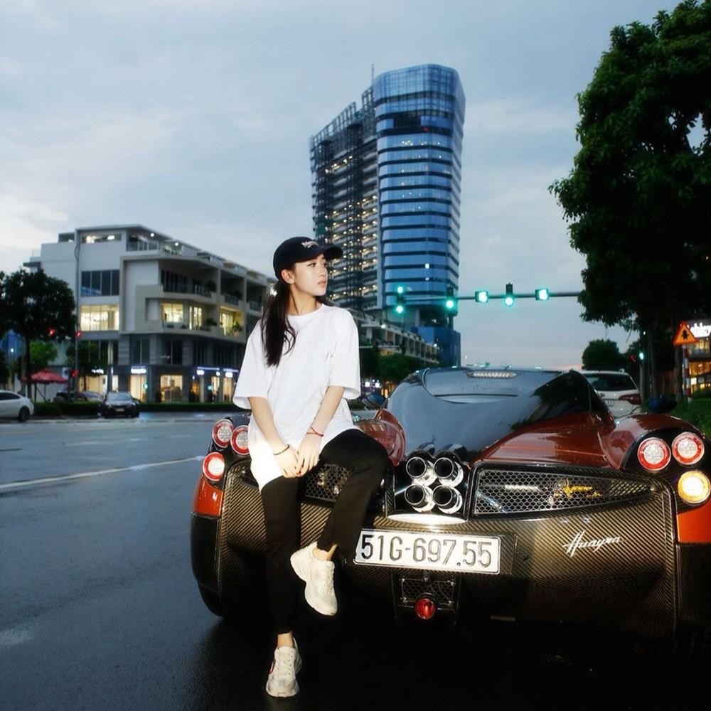 Cô gái này chính là con gái rượu của doanh nhân Phạm Trần Nhật Minh, người sở hữu Pagani Huayra