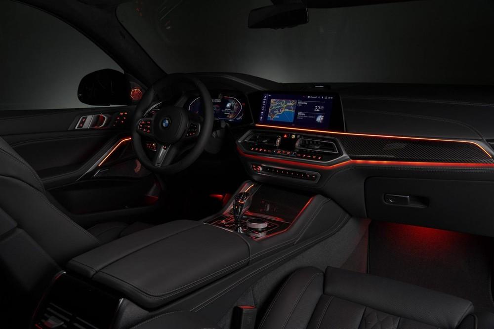 Nội thất của BMW X6 2020 có hệ thống đèn viền ấn tượng