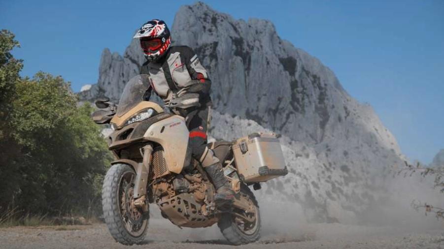 Ducati Multistrada V4 có ngoại hình đẹp mắt, giống với phiên bản hiện tại