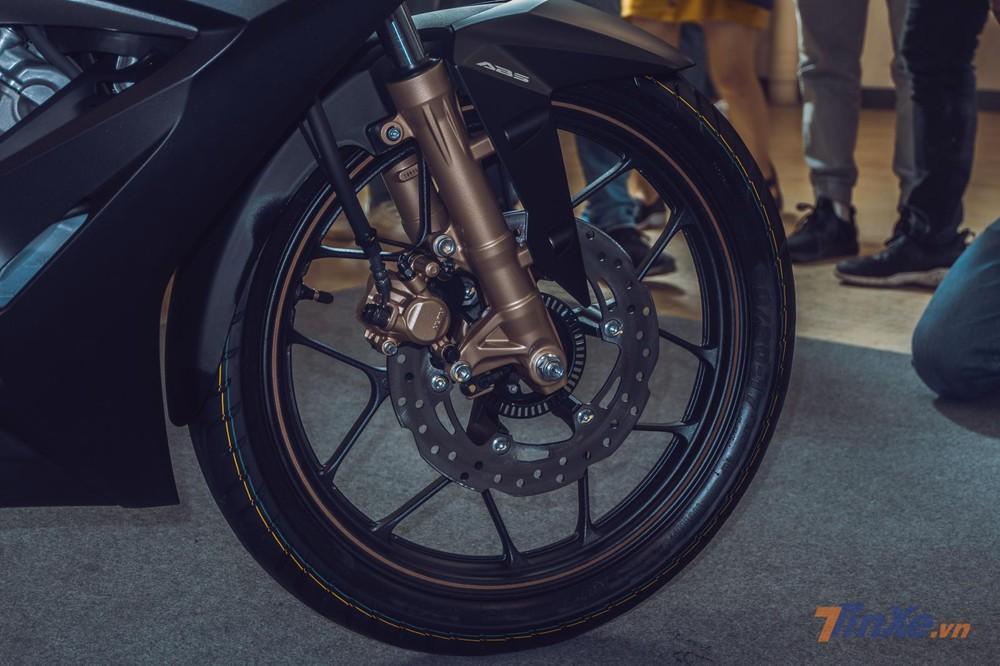 Phanh ABS là nâng cấp đáng giá trên Honda Winner X