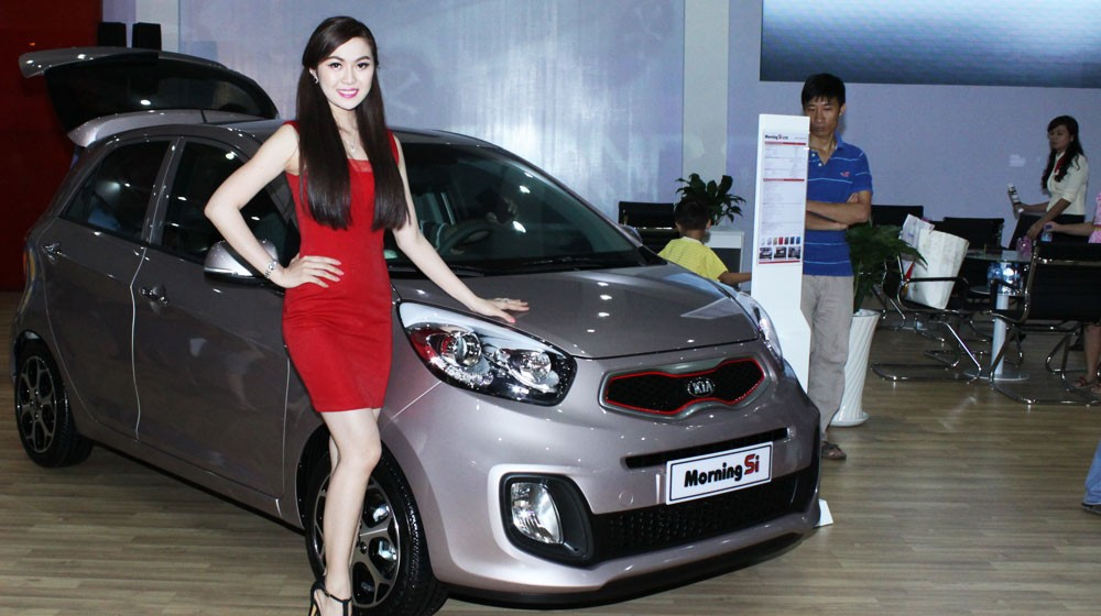 KIA Morning Si AT2014 - mẫu hatchback đô thị hạng A ăn khách tại Việt Nam.