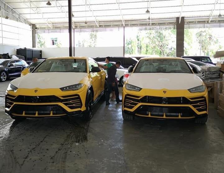 Cặp đôi Lamborghini Urus tông xuyệt tông màu vàng cập bến Campuchia