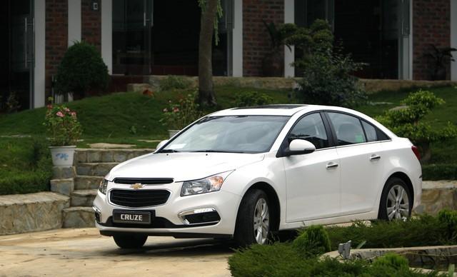 Chevrolet Cruze mang lại sự đầm chắc khi vận hành và chất cơ bắp Mỹ.