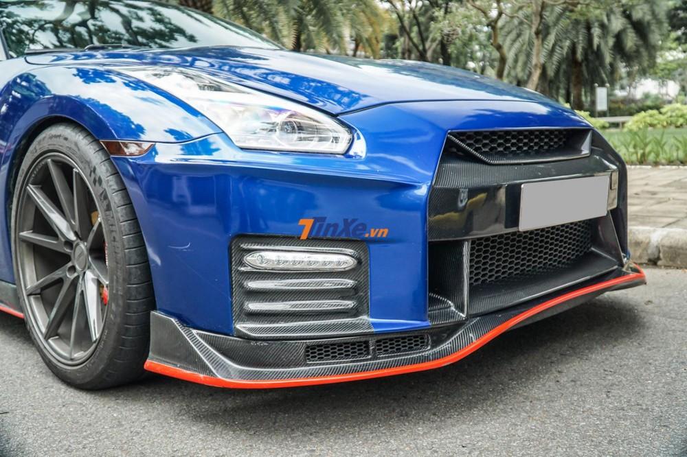 Chiếc Nissan GT-R R35 có mặt tiền ấn tượng hơn sau khi trang bị gói độ body kit Nismo