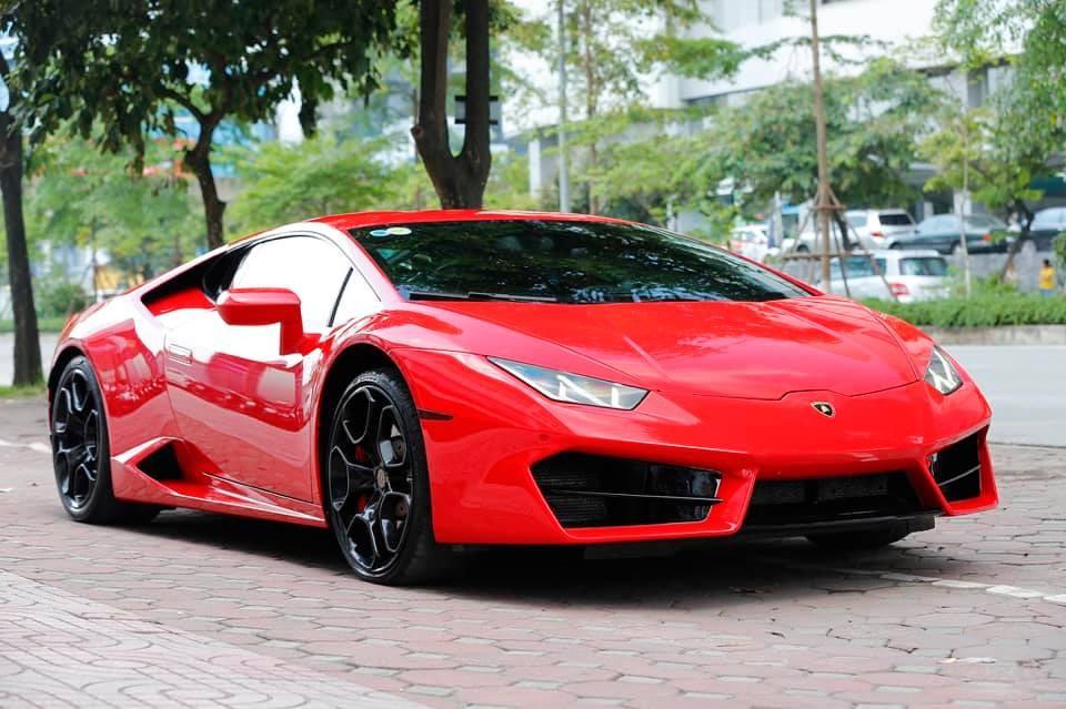 Đây là lần thứ 3 chiếc siêu xe Lamborghini Huracan LP580-2 màu đỏ quay trở lại Thủ Đô