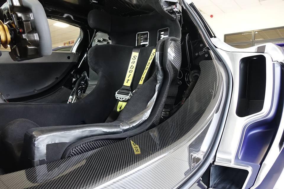 Cận cảnh ghế đua của siêu xe McLaren P1 GTR