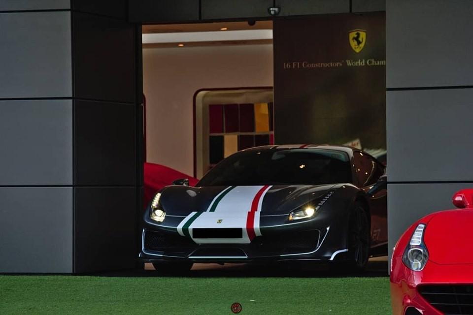 Đây cũng là siêu xe Ferrari 488 Pista Piloti đầu tiên tại thị trường Đông Nam Á