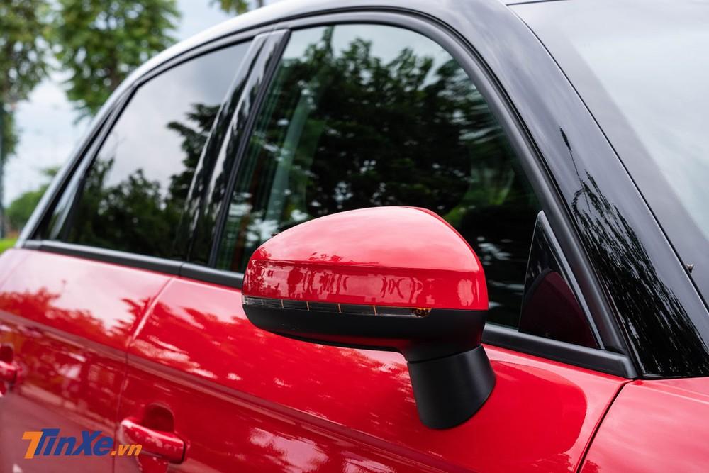 Gương chiếu hậu chỉnh điện tích hợp xi-nhan báo rẽ dạng LED