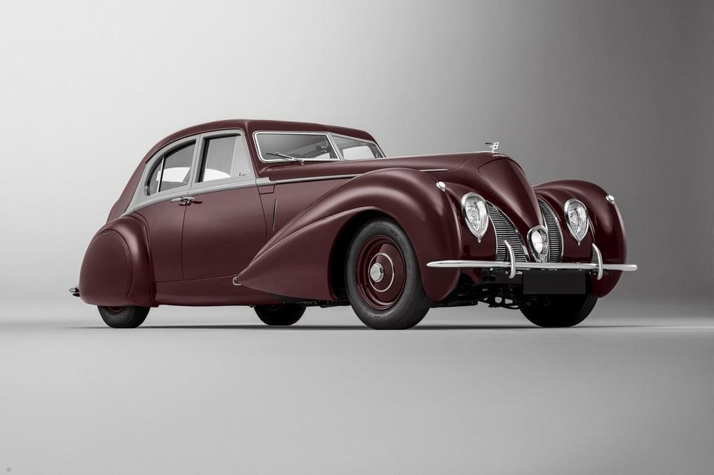 Bentley Corniche 1939 đã được tái tạo thành công bởi bộ phận Mulliner của Bentley