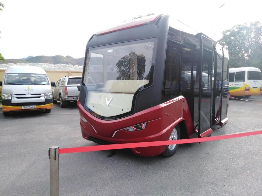 Mẫu xe buýt được cho là chạy điện xuất hiện tại Vinpearl Nha Trang rất có thể là sản phẩm đầu tay của VinBus