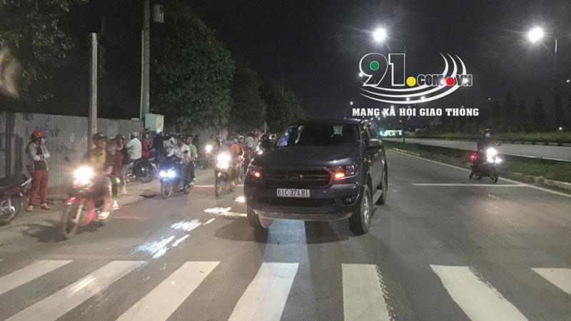 Chiếc xe bán tải Ford Ranger tại hiện trường vụ tai nạn
