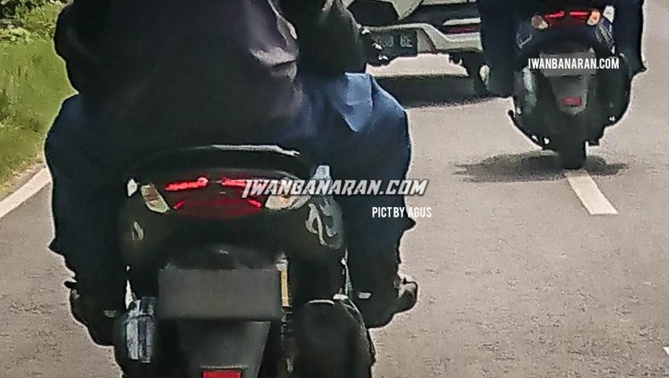 Cận cảnh đuôi xe Yamaha NMax 155