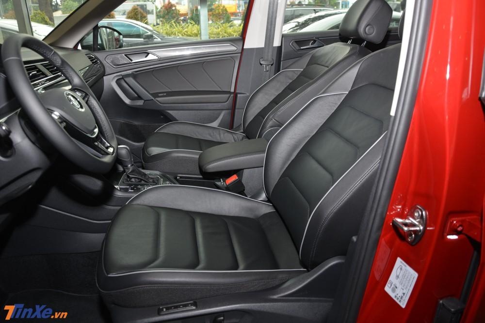 Các trang bị còn lại không có gì thay đổi so với Volkswagen Tiguan Allspace tiêu chuẩn