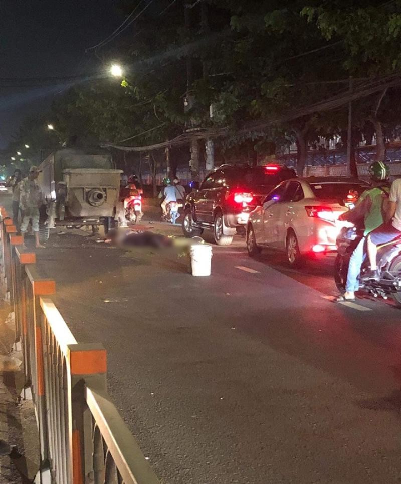 Thi thể của 2 nam thanh niên tại hiện trường vụ tai nạn
