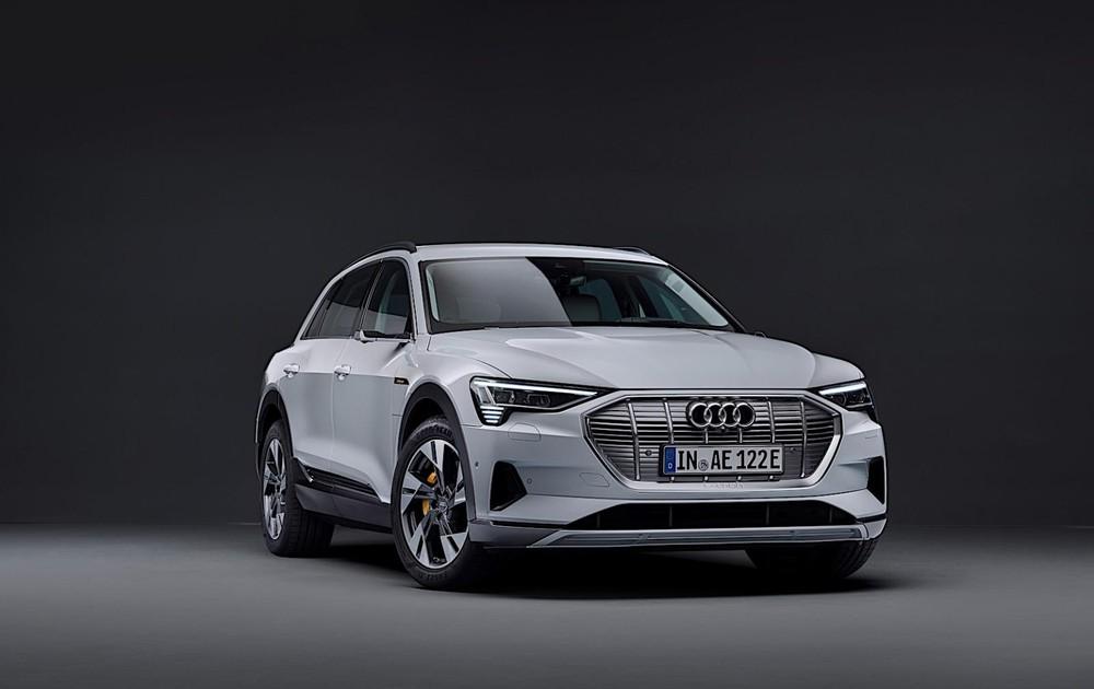 Audi e-tron phiên bản giá mềm sử dụng cụm pin 71 kWh mới được công bố