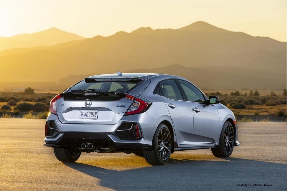 Cản sau của Honda Civic Hatchback 2020 cũng thay đổi giống phía trước