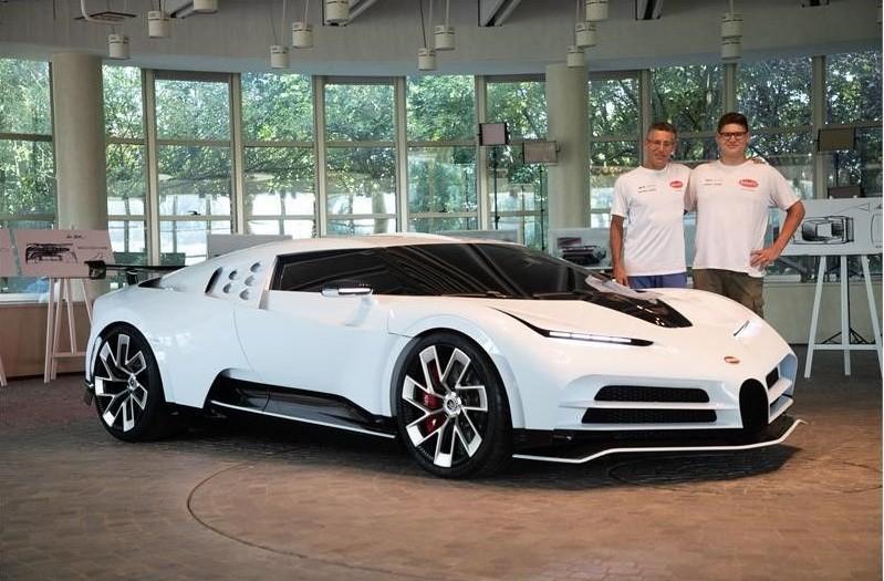 Bugatti Centodieci sở hữu phần thân vỏ khác biệt đáng kể so với Chiron và gợi liên tưởng đến EB110 Super Sport