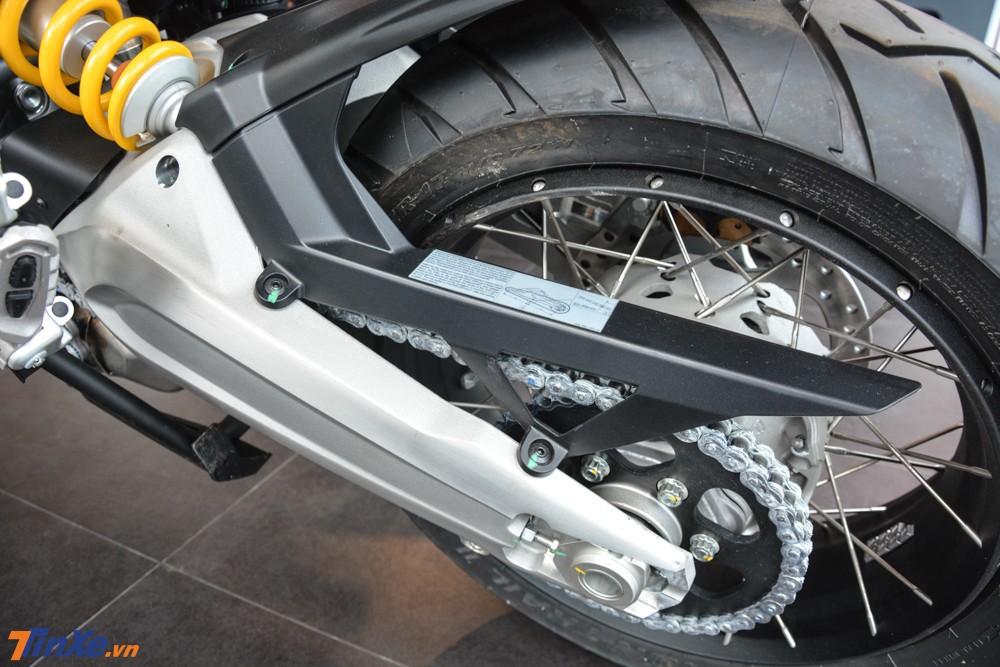 Ducati Multistrada 1260 Enduro 2019 sử dụng gắp đôi