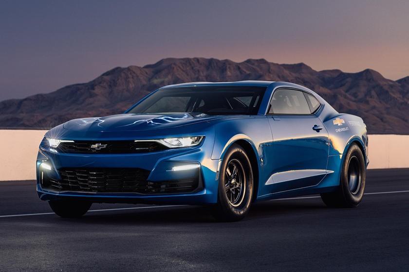 Thay vì một hệ thống động cơ đốt trong, Chevrolet eCOPO Camaro có trang bị bộmô tơ điện