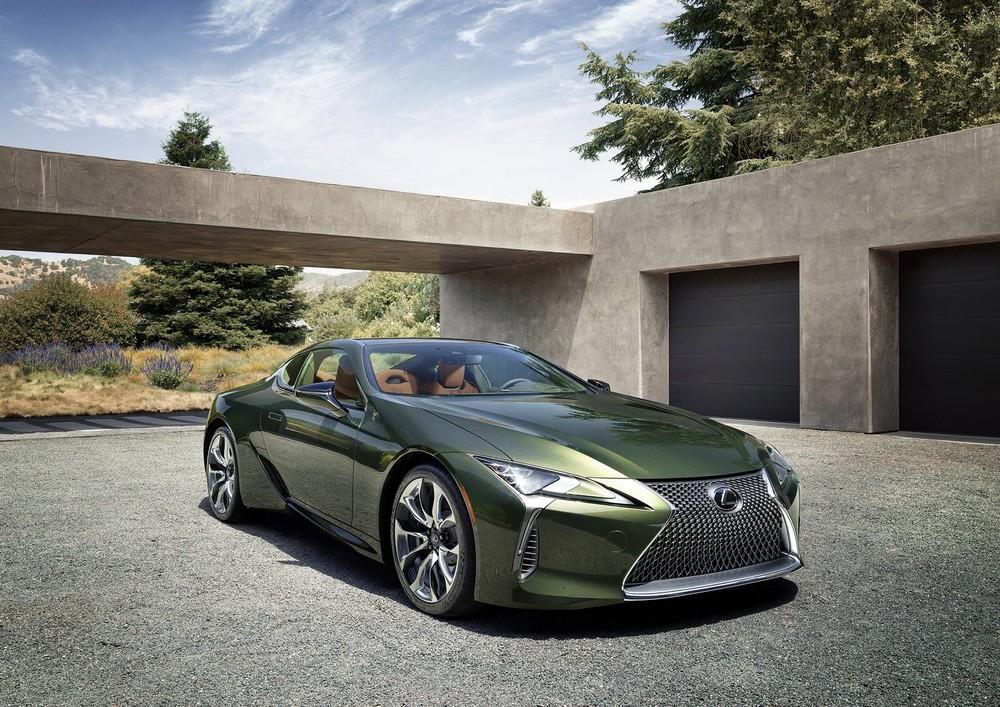 Lexus LC 500 Inspiration Series 2020 với màu sơn xanh lục bắt mắt
