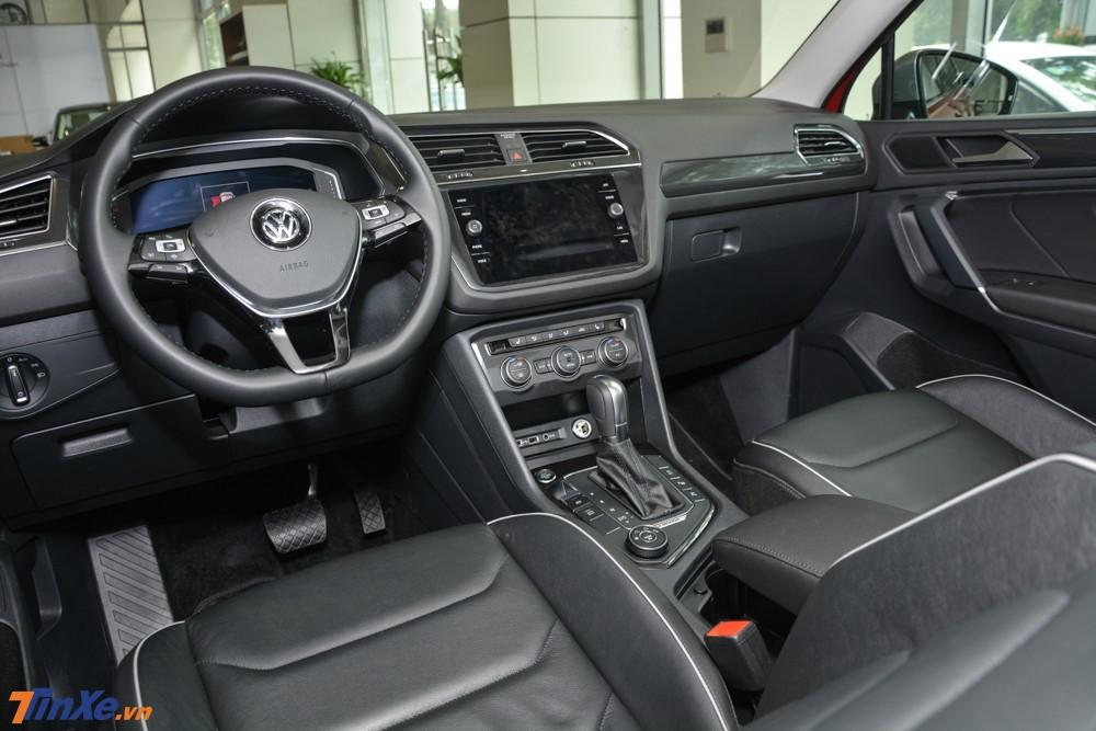 Nội thất xe không có gì thay đổi nhiều so với Volkswagen Tiguan Allspace