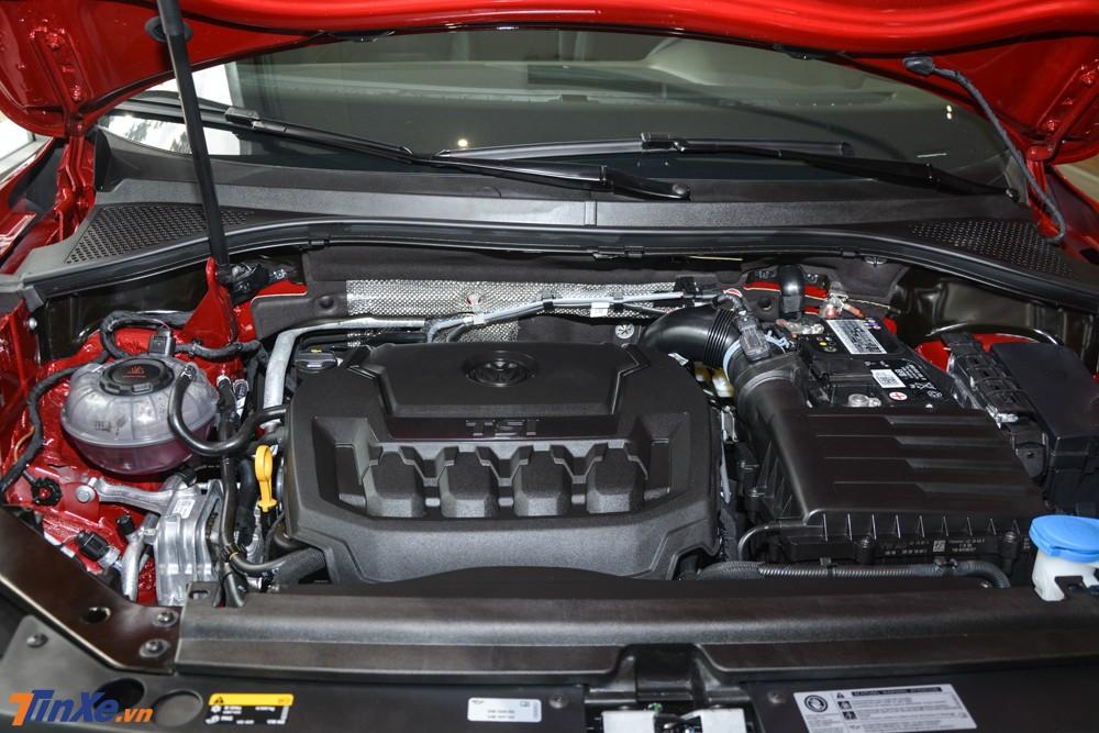 Động cơ xăng TSI 4 xi-lanh, tăng áp, dung tích 2.0 lít của Volkswagen Tiguan Allspace Luxury