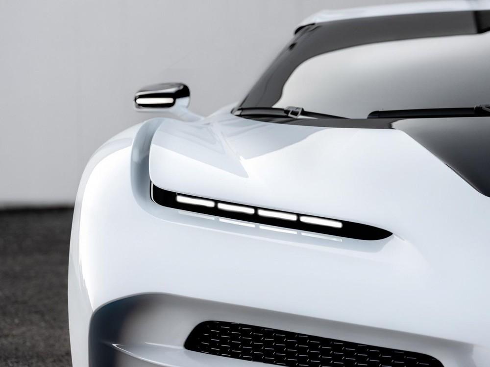 Cận cảnh đèn pha LED mắt híp của Bugatti Centodieci