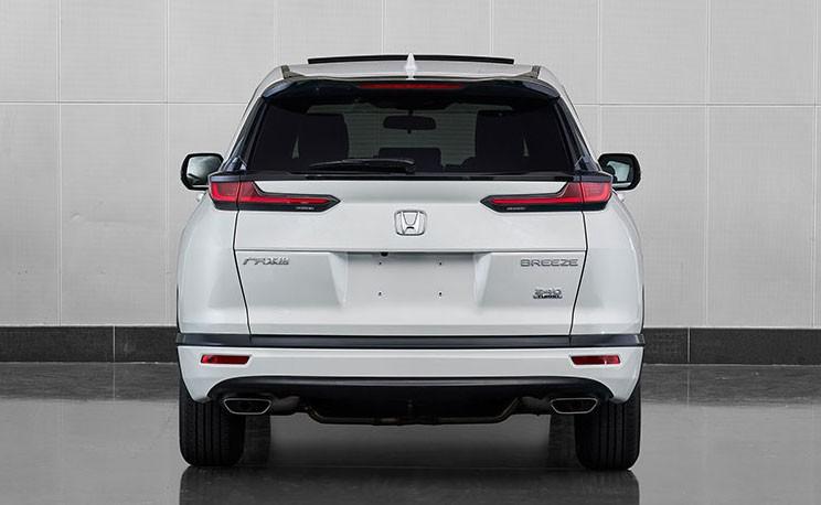 Thiết kế đuôi xe của Honda Breeze đơn giản hơn CR-V