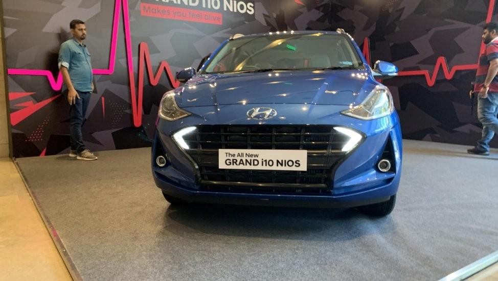 Cận cảnh đầu xe của Hyundai Grand i10 Nios 2019