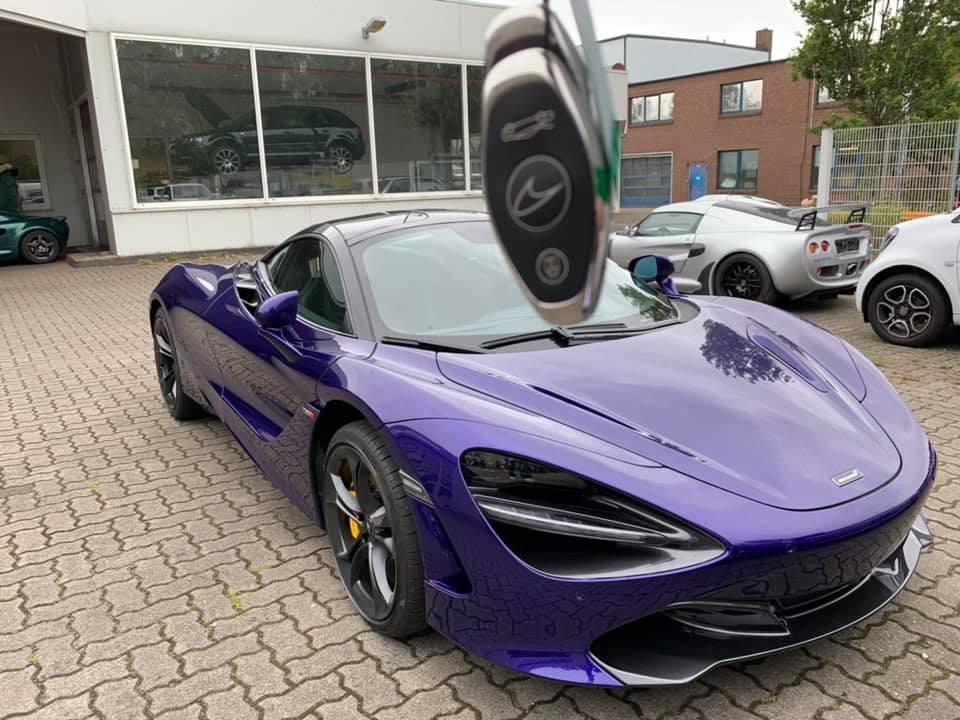 Siêu xe McLaren 720S màu tím tại Việt Nam có nguồn gốc từ đại lý McLaren ở Đức