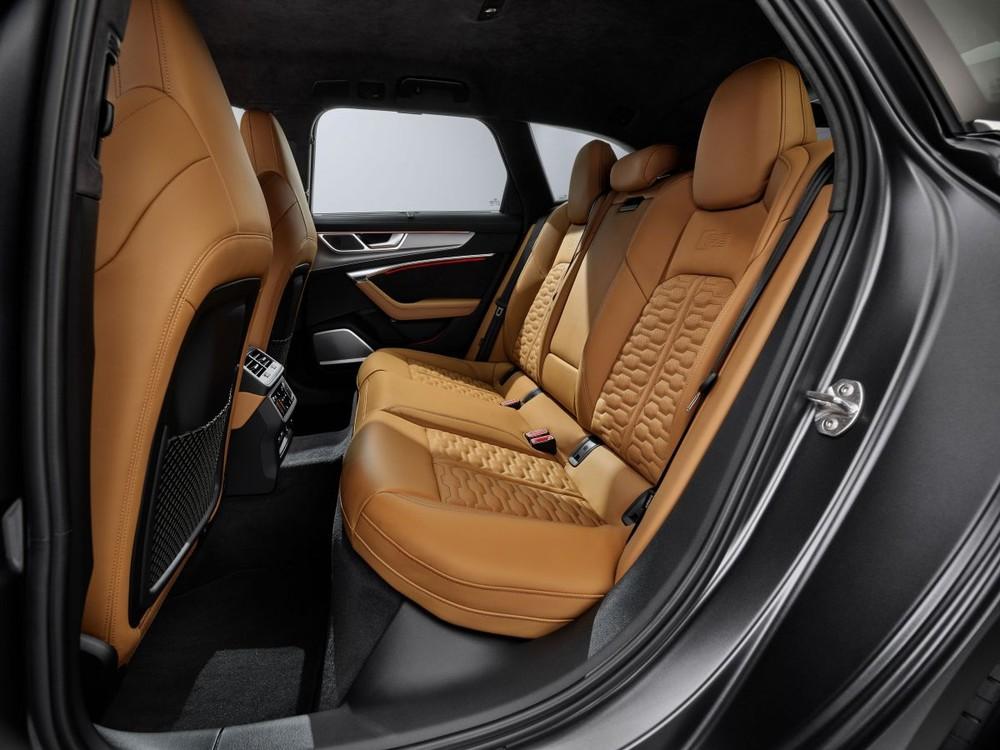 Hàng ghế sau của RS6 Avant