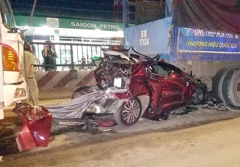 Chiếc Honda City biến thành đống sắt vụ sau vụ tai nạn