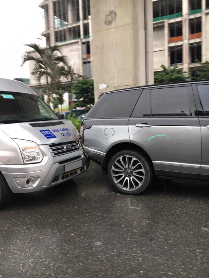 SUV hạng sang Range Rover Autobiography có giá hơn 8 tỷ đồng