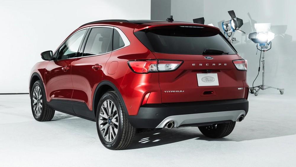 Tại thị trường Mỹ, Ford Escape 2020 đang có giá khởi điểm từ 605,5 triệu đồng cho đến cao nhất là 803 triệu đồng