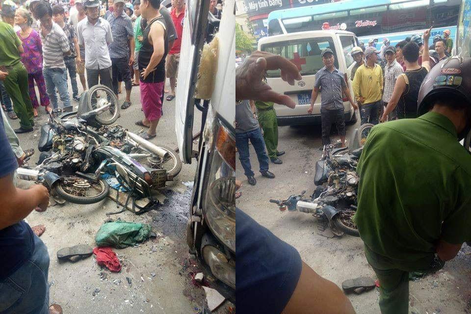 2 chiếc xe máy bị hư hỏng nặng sau vụ tai nạn