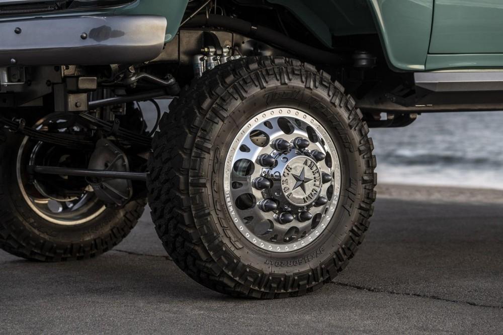 Hệ thống bánh xe cùng các trục chuyển động đã được thay đổi và nâng cấp cho phù hợp