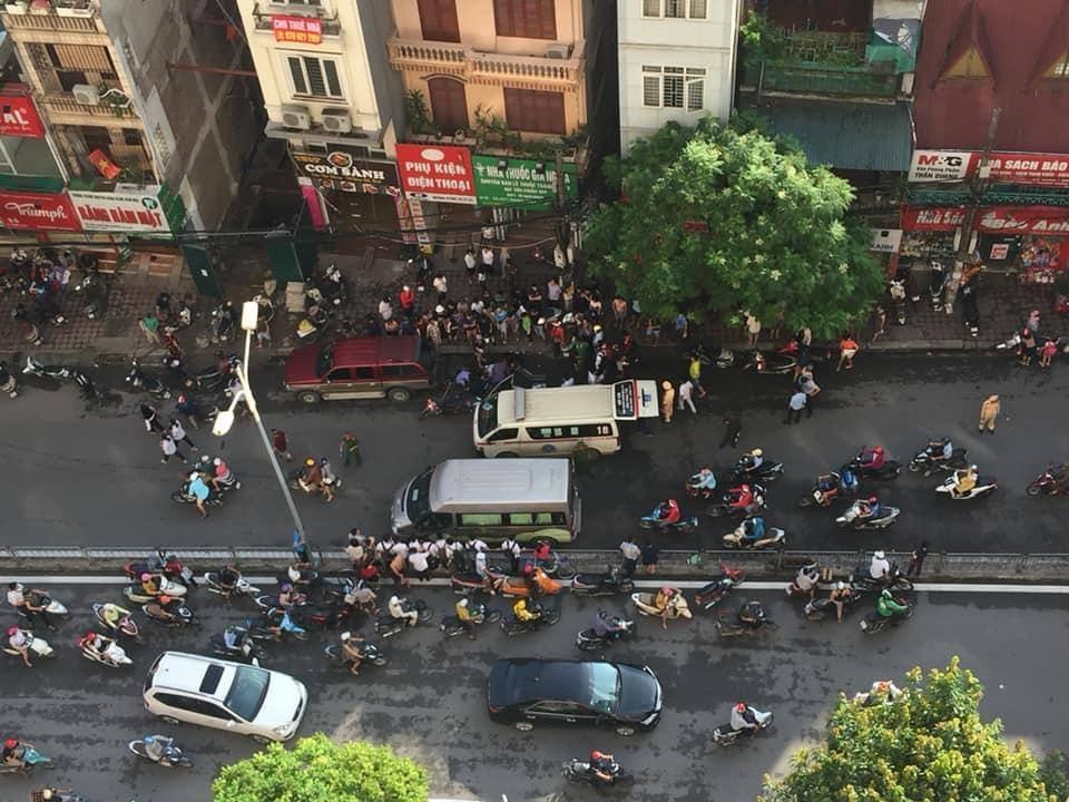 Hiện trường vụ tai nạn giao thông giữa xe máy và ô tô bán tải trên đường Vũ Trọng Phụng, Thanh Xuân - Hà Nội (Ảnh: Facebook)