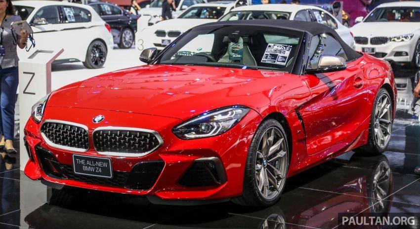 Còn đây là BMW Z4 M40i 2019 có giá bán cao hơn 73 triệu đồng với ngoại thất có thêm body kit thể thao và động cơ khoẻ hơn