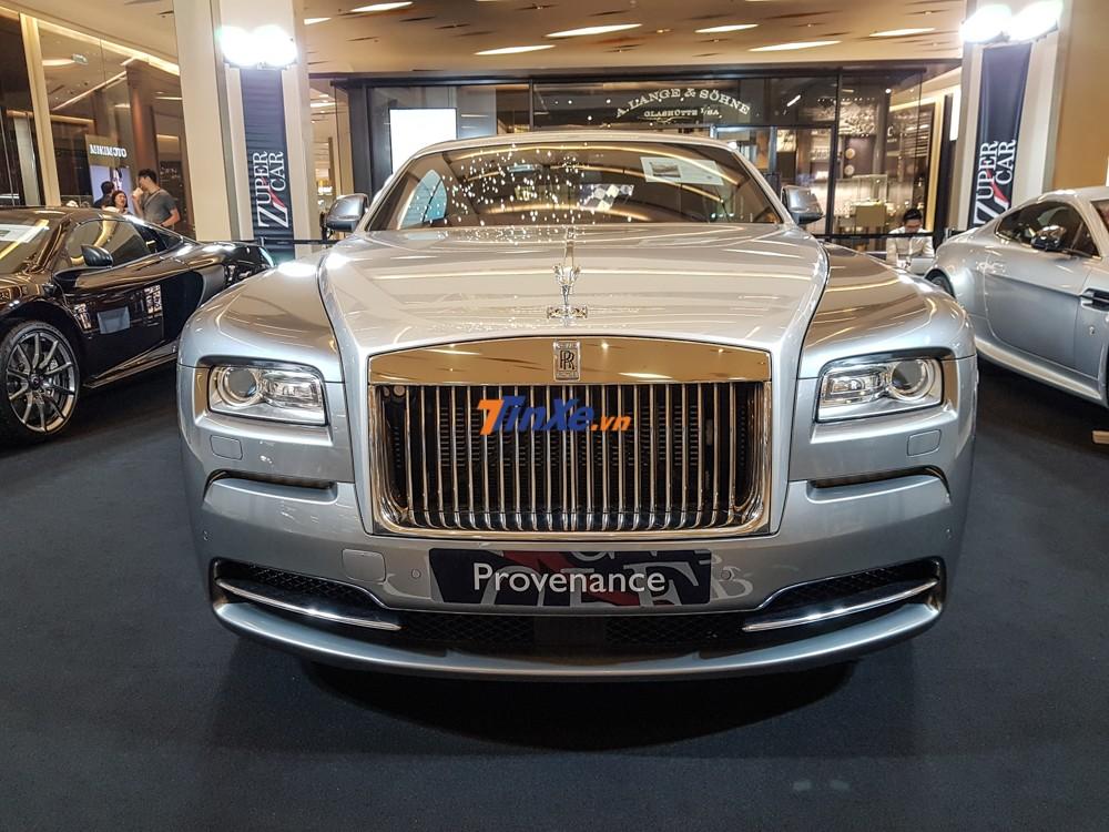 Cũng chẳng phải là xe siêu sang Rolls-Royce Wraith